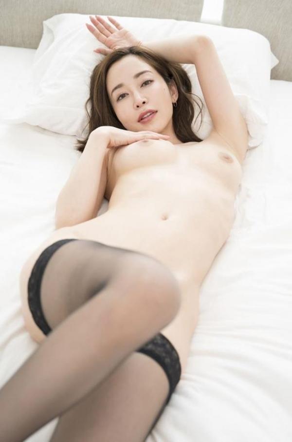 篠田ゆうさん、不倫セックスの一部始終を語りはじめる。画像49枚のb006枚目
