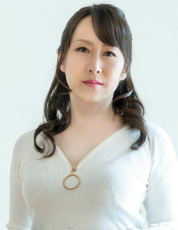 篠原なぎさ 肉食系ドスケベ熟女 まんチラの誘惑 画像32枚の02枚目