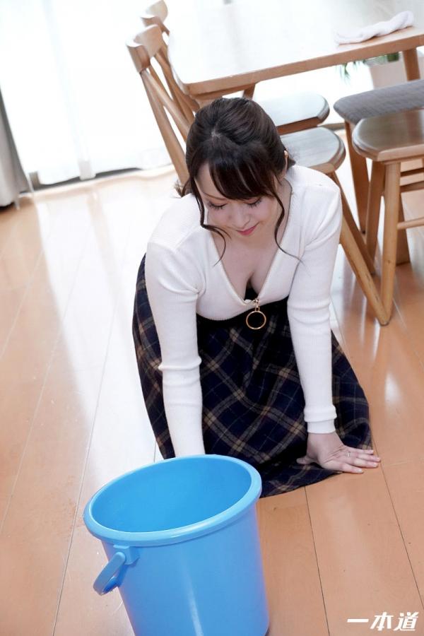篠原なぎさ 肉食系ドスケベ熟女 まんチラの誘惑 画像32枚の10枚目