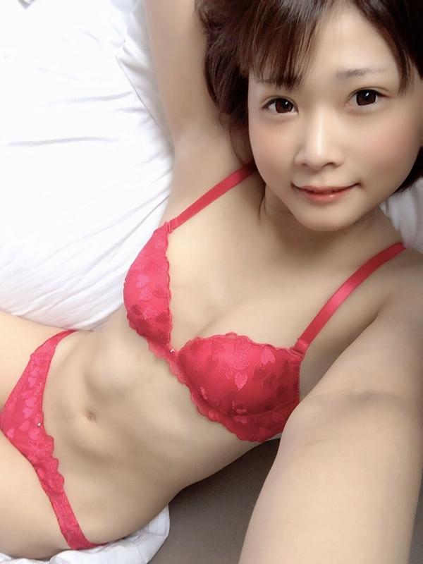 裸よりもセクシーな下着姿のエッチなお姉さんのエロ画像45枚の39枚目