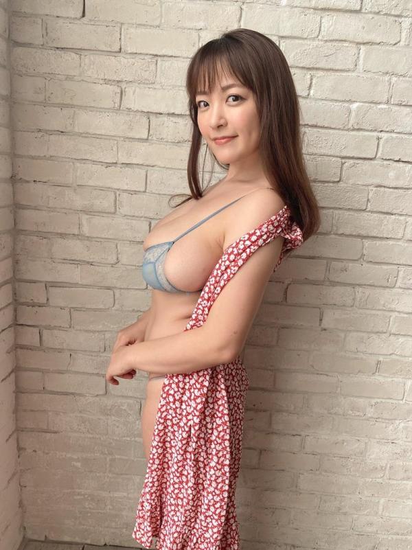柳瀬さき(柳瀬早紀)33歳になったグラドルやなパイさんの超乳画像30枚の05枚目