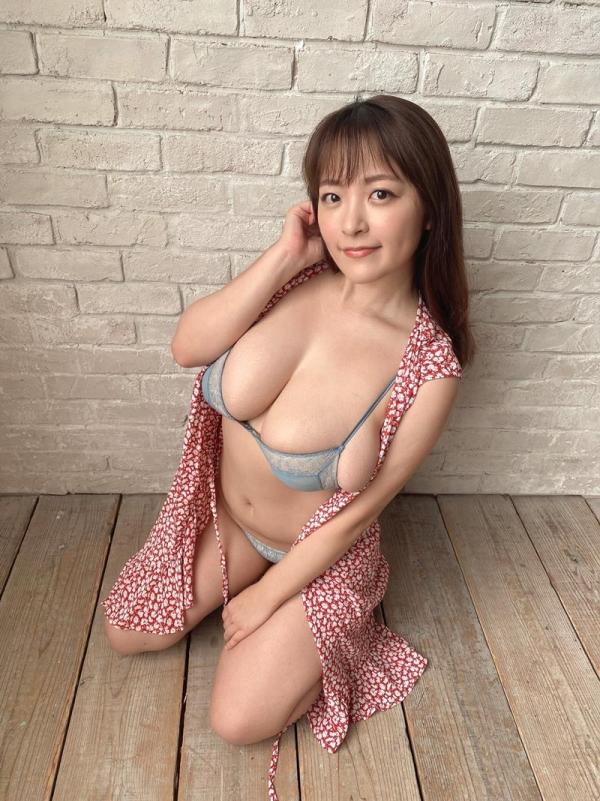 柳瀬さき(柳瀬早紀)33歳になったグラドルやなパイさんの超乳画像30枚の06枚目