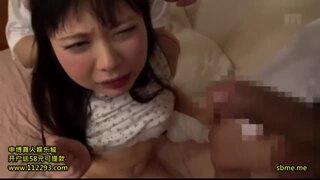 【美女 羞恥潮吹き】美乳の美女女子大生の、羞恥潮吹きフェラプレイがエロい。【エロ動画】
