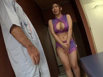 スケベなボディコンの女性の、sex無料エロ動画。