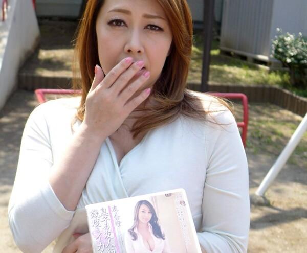 【エロ動画】淫乱でエロい巨乳の熟女お姉さん、風間ゆみの中出し騎乗位フェラプレイエロ動画!!エロい乳してます!