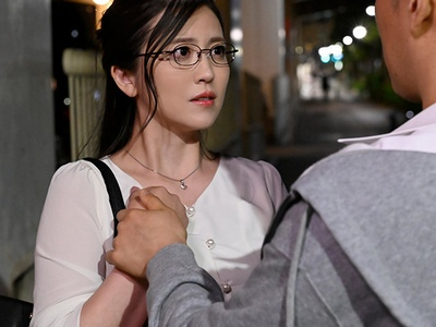 ラブホにて、美人な女性の、sex中出し無料エロ動画。