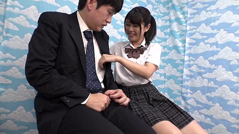 【女子校生 素股フェラ】パイパンで制服姿の女子校生素人の、素股フェラ中出しプレイがエロい。【エロ動画】