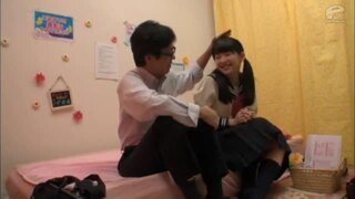 【エロ動画】制服姿の女子校生美少女、姫川ゆうなのバック手コキ騎乗位プレイがエロい!!