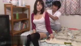 【お姉さん】淫乱でエロい巨乳のお姉さんの、即ハメフェラセックスプレイエロ動画!エロい乳してます!【エロ動画】