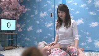 マジックミラー号にて、巨乳の女子大生の、中出しローションセックス無料エロ動画!【騎乗位、素股、フェラ動画】
