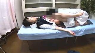 【JK】スレンダーなJK女子校生の、レイプ媚薬睡眠薬プレイがエロい。【エロ動画】