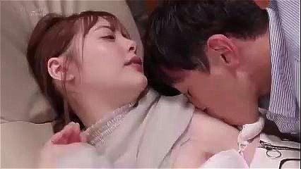 スレンダーな若妻人妻、小倉由菜の不倫寝取られsex無料動画。【浮気動画】