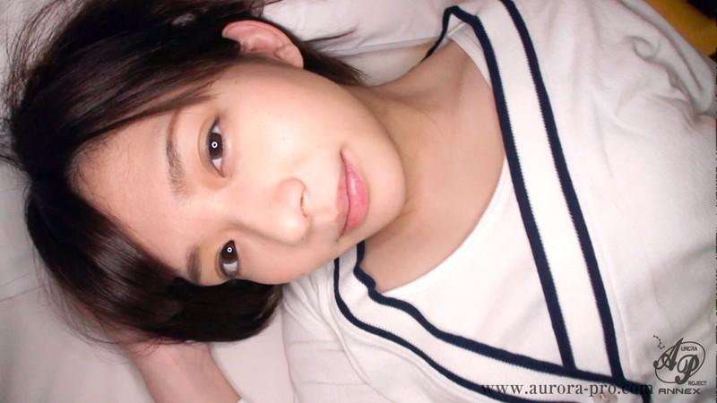 【変態】スレンダー色白スケベでエロい美乳の女子校生美少女、麻里梨夏のハメ撮りフェラプレイエロ動画!!実にセクシーです!