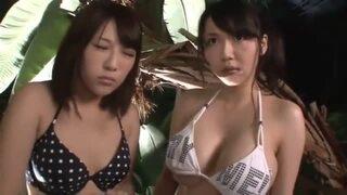 【エロ動画】巨乳で水着姿の素人美女の、乱交羞恥痙攣プレイがエロい!まさにパーフェクト!