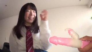 【JKフェラ】パイパンで制服姿のJK女子校生の、フェラ電マプレイがエロい。