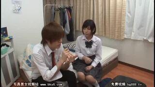 【童貞】美乳で爆乳の女子校生の、羞恥キス昇天無料エロ動画!【フェラ動画】