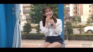 【SM動画】ミニスカで巨乳で美尻の女性の、SM電マプレイが、MM号で。エロいおっぱいですね!
