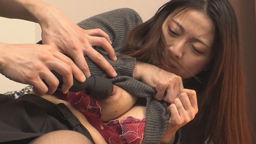 [巨乳妻ナンパ中出し]スケベな巨乳の人妻素人の、媚薬中出し即ハメ無料H動画!【sex動画】