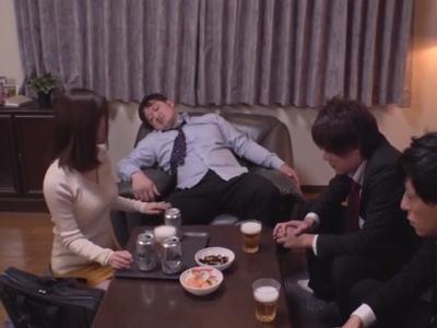 泥酔美人な人妻同僚の、寝取られ3Pエロ動画!【人妻、同僚動画】