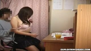 【家庭教師】スケベな制服姿の素人美少女の、イタズラ中出し無料エロ動画!【素人、美少女動画】
