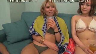 【巨根】スレンダーなパイパンでビキニで巨乳の黒ギャル素人の、中出し乱交セックス無料エロ動画。【黒ギャル、素人、美女動画】