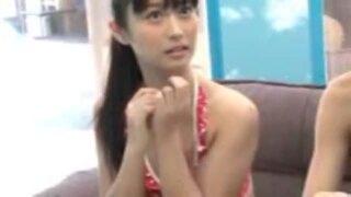 【童貞】MM号にて、水着姿の女学生素人の、筆おろし手コキ中出し無料H動画!【騎乗位動画】