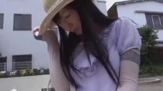 四十路で巨乳の熟女美女の、パイズリsex誘惑無料H動画!【近親相姦、フェラ動画】
