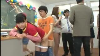 スレンダーな人妻、朝桐光の中出し羞恥sex無料エロ動画!【フェラ、即ハメ動画】