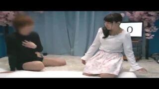 マジックミラー号にて、スレンダーな美少女素人の、素股無料エロ動画!【美少女、素人、女子大生動画】