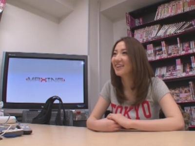 巨乳の素人ギャルの、ラブラブsex訪問エロ動画。【素人、ギャル動画】