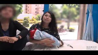 マジックミラー号にて、子持ちな爆乳の人妻素人の、不倫寝取られ素股無料エロ動画!【セックス、中出し動画】