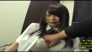 【おっぱい】スレンダーなボインで制服姿のJK女子校生、吉永あかねの潮吹きイラマチオ媚薬エロ動画。【手マン、立ちバック動画】