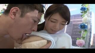 【人妻 潮吹き】巨乳で美乳の人妻素人の、潮吹き絶頂プレイ動画。いい乳してます!