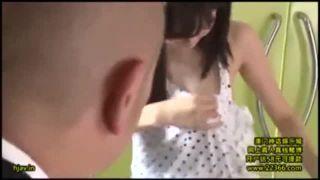 【葵つかさ 胸チラ】スケベでエロいアイドル系の美少女、葵つかさの胸チラ着エロエロ動画!【おっぱい】