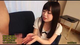 【処女 手コキ】スレンダーでエロい貧乳の処女美少女の、手コキフェラプレイがエロい!【おっぱい】