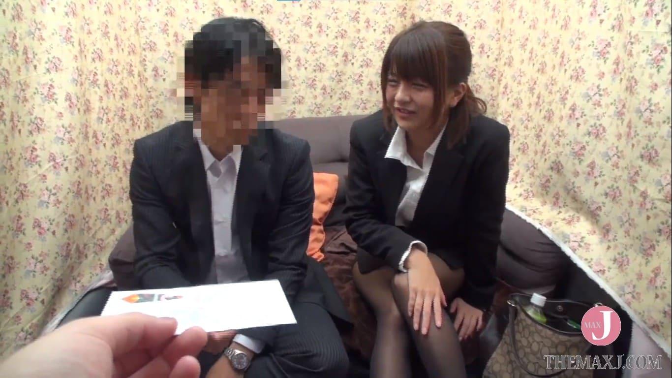 アパレル会社に勤務する男上司と女部下の桜木郁
