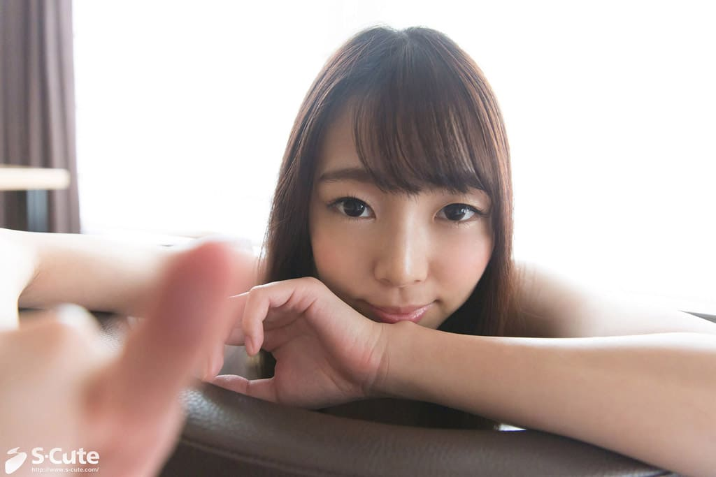 美少女ながら大人びた綺麗さも見え隠れする新川優里