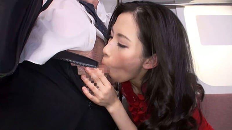 乗客にバレるかも知れないスリルも楽しんでしまう変態女