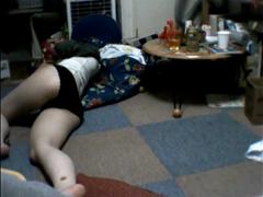 【無修正】パンツ1丁で寝てる嫁を襲って生ハメした個人撮影