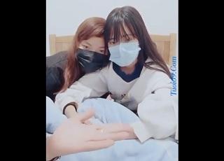 【無修正】二人組の10代ロリ美少女をハメたスマホ撮影の乱交映像ww