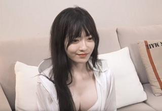【無修正】色白美乳な黒髪お姉さんのツルツル美マ〇コ激ハメの濃密SEX