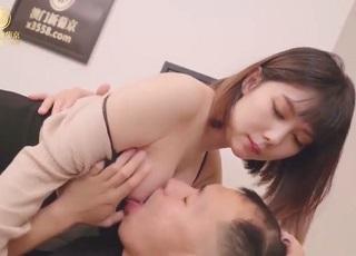 【無修正】ツルツル美マンコ犯されメス顔でイキ悶えるお姉さんとの生ハメSEX