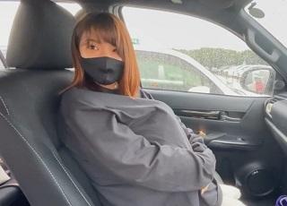 【個人撮影】ノーパンJD彼女と買い物デート⇒我慢できずに駐車場で始めちゃいますww