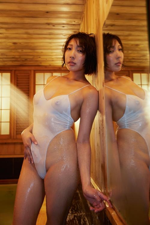 麻倉まりな 誘惑光線 02