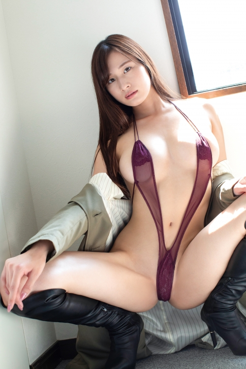 M字開脚 03