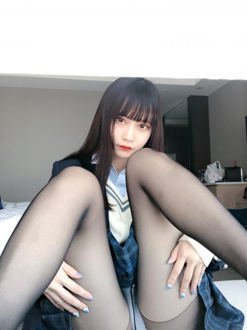M字開脚 19