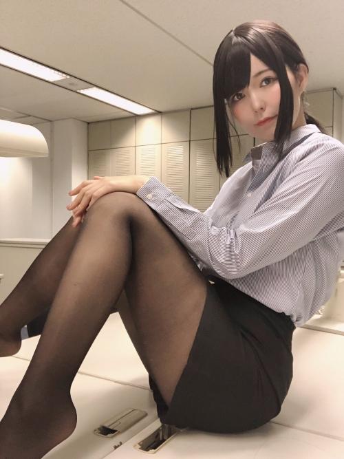 エッチな制服OL 22