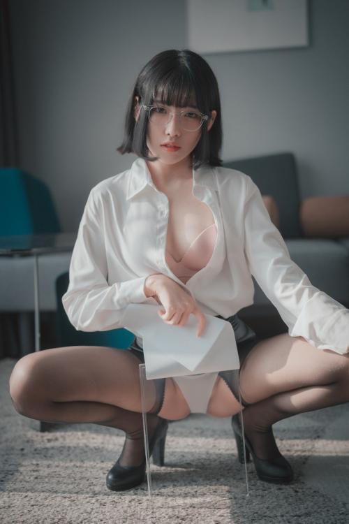 男が妄想する「えっちな秘書」 51