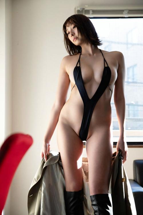 変態露出のV字水着 (Sling Bikini) エロ画像 06