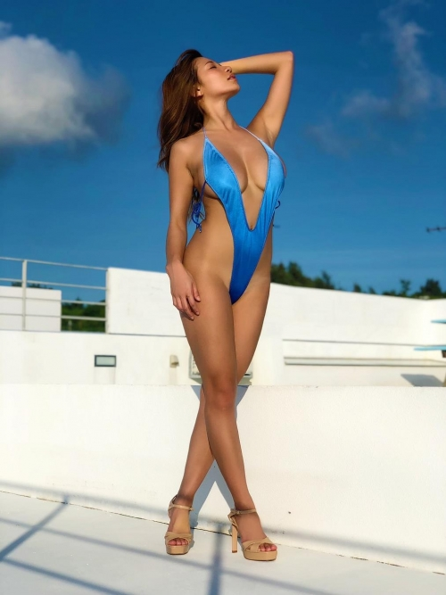 変態露出のV字水着 (Sling Bikini) エロ画像 45